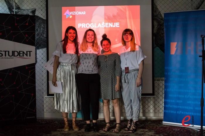 Voditeljica natjecanja Jelena Mandić, pobjednice HEP-ovog case-a Dora Doko i Erika Filipan i zamjenica voditeljice Nives Dabić